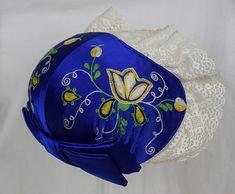 Espoon pukuun kuuluva tykkimyssy Folk Costume, Costumes, Folk Clothing, Finland, Culture, Embroidery, Crafts, Dresses, Vestidos