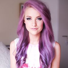 This is gorgeous hair! I want to try some unnatural color sometime.  Hair Styles To Try In Your 30's.