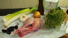 Blond Kitchen: Kania padassa luumujen kera