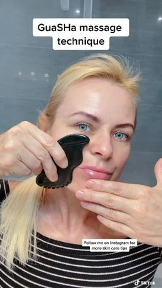 Lymph Massage, Gua Sha Massage, Face Massage, Medical Aesthetician, Massage Techniques, Beauty Routines, Beauty Tips For Glowing Skin, Face Yoga, Medical Spa