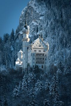 Bavarian castle that served as the inspiration for Disney's Cinderella castle.  Germany