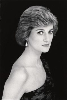 https://flic.kr/p/8K8ehq   Official Diana, Princess of Wales portrait   by David Bailey,photograph,1988