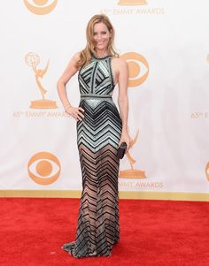 #emmyfashion Actress Leslie Mann arrives at the 65th Annual Primetime Emmy Awards held at Nokia Theatre L.A. Live on September 22, 2013 in Los Angeles, California.