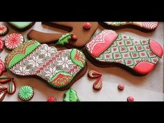 ▶ How to Pipe A Needlepoint Pattern with Royal Icing (aka Argyle Pattern on a Stocking Cookie) - YouTube
