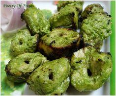 Poetry Of Food: Hariyali Chicken Tikka. Indian Chicken Recipes, Grilled Chicken Recipes, Spicy Recipes, Curry Recipes, Indian Food Recipes, Veg Recipes, Recipies, Indian Snacks, Chicken Starter Recipes