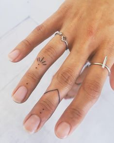 37 Cute Finger Tattoos Are Fashion In The Young tattoos, little tattoos, finger . - 37 Cute Finger Tattoos Are Fashion In The Young tattoos, little tattoos, finger tattoos – Finger - Cute Finger Tattoos, Finger Tattoo Designs, Finger Tats, Henna Tattoo Designs, Cute Tattoos, Beautiful Tattoos, Body Art Tattoos, Finger Dot Tattoo, Finger Finger