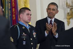Bracelet outshines Medal of Honor at ceremony for Kyle White Black Presidents, Greatest Presidents, First Black President, Our President, Medal Of Honor Recipients, Army Sergeant, Military News, Barack And Michelle, Unsung Hero