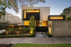 World of Architecture: Contemporary Style Home by Domoney Architecture