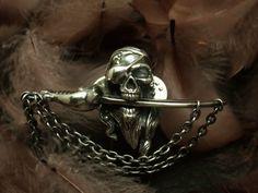 シルバー製 パイレーツスカル ピンバッジ Mad Pirates Pins with Dagger