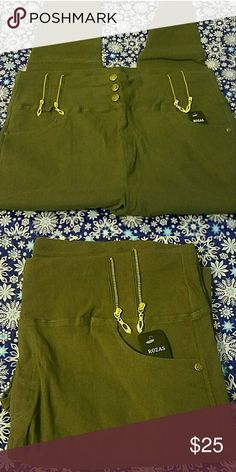 Olive high waist jeggings NWT These have lots of stretch,2 functional pockets in front  And great for  casual outings, embellished zip accents and fits true to size. Pants Skinny
