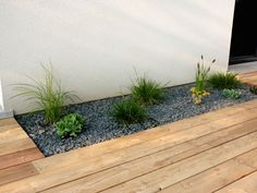 Plantation et terrasse Garden Care, Small Gardens, Outdoor Gardens, Landscape Design, Garden Design, Plantation, Front Yard Landscaping, Landscaping Ideas, Garden Inspiration