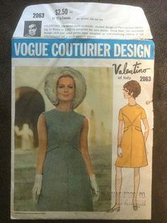 VOGUE Couturier Design Vintage 60s Pattern 2063 Valentino MOD Dress 10 Cut | eBay 60s Patterns, Vintage Patterns, Vintage Designs, Sewing Patterns, Study Design, Valentino Dress, Mod Dress, Vogue Paris, Pattern Design