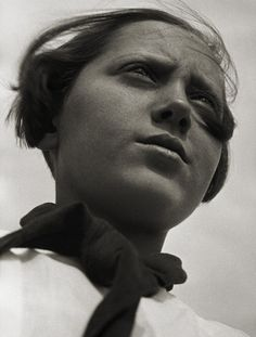 'Pioneer' 1930 from Exhibition: 'Alexander Rodchenko: Revolution in Photography' at WestLicht Gallery, Vienna Alexander Rodchenko, White Photography, Portrait Photography, Photography Sketchbook, School Photography, Abstract Photography, Pioneer Girl, Russian Constructivism, Fotografia Social