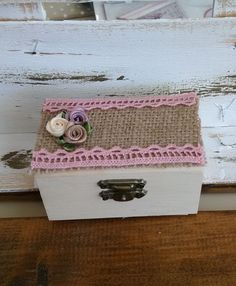 μπομπονιέρα γάμου ξύλινο κουτί με ρομαντική διακόσμηση 2