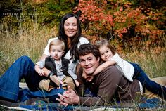 Love this photographers family pictures!