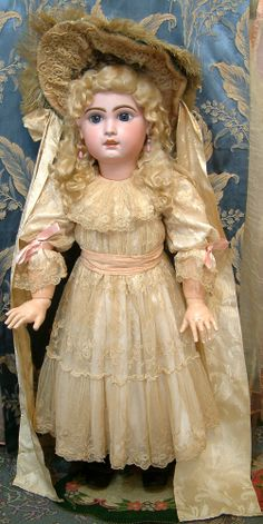 Chosen with love, sold with pride, Come visit our HUGE inventory of carefully chosen, beautiful well preserved Antique Dolls. Pierrot Costume, Doll Costume, Costumes, Antique Clothing, Antique Toys, Victorian Dolls, Victorian Dollhouse, Modern Dollhouse, Crochet Amigurumi