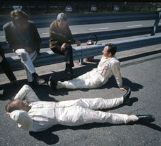Bruce McLaren,Denny Hulme and Teddy Mayer in Holland (1969)