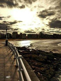 bahía de San Lorenzo, Gijón.