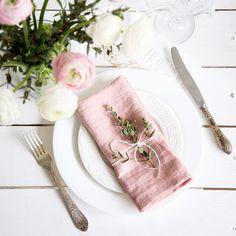 Erwichene Rosa Leinen Servietten-Set von 6. Handgefertigt aus reinem Stein gewaschen Leinen sind extrem weich und so angenehm auf der Haut. Sobald Sie diese wunderschöne Serviette, um Ihre Hände...