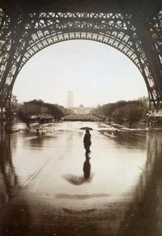"""The Face"" of Paris"