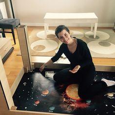 DIY Planetarium under table, what a great idea for kids #imagination#oyuncuanne#turkey