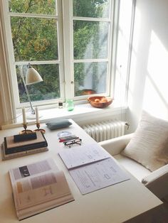 I need this room to study ❤ So comfortable and calm ? – Creative Home Office Design Study Areas, Study Space, Desk Space, Study Nook, Small Study Area, Study Corner, Corner Desk, Study Room Decor, Bedroom Study Area