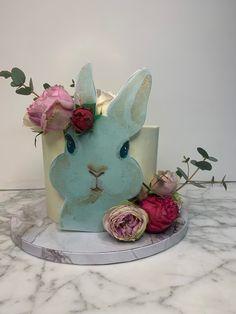 tarta conejito Baby Shower, Planter Pots, Cute Bunny, One Year Birthday, Christening, Pies, Babyshower, Baby Showers