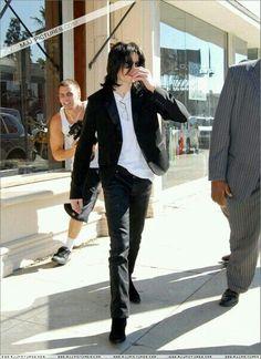 MJ ...