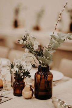 Un mariage boho und naturel au Couvent des Carmes - Site Today - dekor. Chic Wedding, Floral Wedding, Rustic Wedding, Dream Wedding, Wedding Day, Wedding Reception, Natural Wedding Decor, Boho Wedding Flowers, Wedding Tables