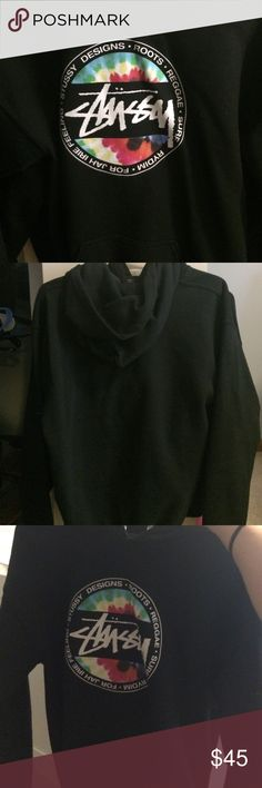 XS stussy hoodie just not my style anymore, so i've worn it twice. size x small Tops Sweatshirts & Hoodies