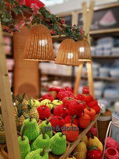 rattan fruits Rattan Basket, Strawberry, Paper Crafts, Fruit, Design, Tissue Paper Crafts, Paper Craft Work, Strawberry Fruit