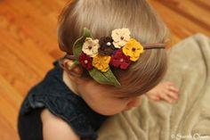 Fall Bouquet of Felt Flowers on Elastic Headband por MapleSugarLane
