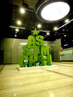 awt (artsworthing) design inc. / Westin Hotel Christmas Installation
