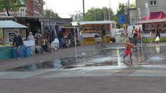 """@Nel de Jager: Boerenmarkt en fontein Haarlemmerplein http://www.facebook.com/haarlemmerbuurt"
