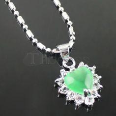 Green heart-shaped fashion diamond necklace