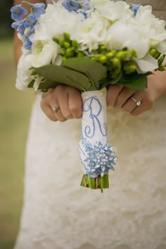 Such a beautiful idea for the bridal bouquet...a monogram of the bride's new last name! @The Frosted Petticoat: Baby's Breath in the Barn