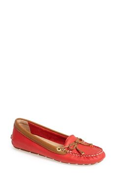 Free shipping and returns on Sperry Top-Sider® 'Katharine' Moc Stitched Loafer (Women) at Nordstrom.com. Contrast moc stitching shapes the toe and heel of a classic driving loafer fitted with a well-cushioned footbed and a grippy rubber sole.