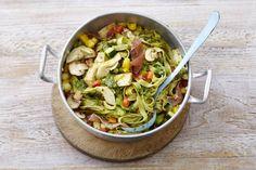 Kijk wat een lekker recept ik heb gevonden op Allerhande! Broccoli-erwtenpasta met ham en pesto