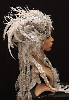 Ice Queen-Phantasie-Kopfschmuck-Headdress von Maskenzauber & Erlebenskunst auf DaWanda.com: