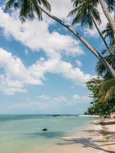 Find the best beaches on Koh Samui island in Thailand with lots of travel photos and recommendations on where to stay. Thailand Beach Resorts, Koh Samui Thailand, Beach Hotels, Philippines Travel, Thailand Travel, Vintage Travel Wedding, Spain Travel, Mexico Travel, Pretty Beach
