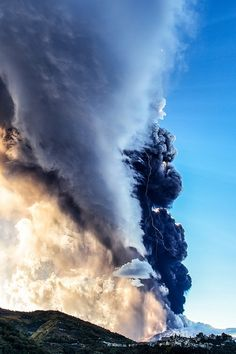Eruption on Mount Etna by Giuseppe Torre  Amazing Photo!!! November 2013  #etna #sicily #sicilia  #etna   #sicilia #sicily  #etnavolcano