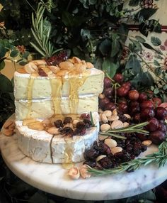 Honey, Marcona Almond, and Dried Berry Brie Wheel from a Grazing Table I made last weekend [OC] : FoodPorn What Is Washi Tape, Grazing Tables, Evening Meals, Charcuterie Board, Breakfast Nook, Brie, Catering, Almond, Food Porn
