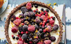 No-bake Greek yogurt and berry tart recipe Tart Recipes, Healthy Dessert Recipes, Baking Recipes, Free Recipes, Berry Tart, Fruit Tart, Custard Desserts, Sweet Pastries, Perfect Breakfast