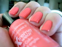 Coral reef nail polish, my new favourite colour. Gonna use it all the time :D Coral Nail Polish, Coral Nails, Fun Things, Things To Come, Pink Dragon, Double Team, Sally Hansen, About Hair, Claws