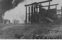 Der Tag, an dem in Linz die ersten Bomben fielen - 500 amerikanische Flugzeuge griffen vor 70 Jahren Linz an – Vier Maschinen des Typs B-17 wurden abgeschossen. Nach der ersten Attacke waren die »Göring-Werke« drei Wochen lahmgelegt. Mehr dazu hier: http://www.nachrichten.at/oberoesterreich/linz/Der-Tag-an-dem-in-Linz-die-ersten-Bomben-fielen;art66,1451170 (Bild: Archiv der Stadt Linz)