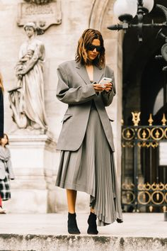 womens street style chic outfit, street style women inspiration minimal classic, edgy street style for women Street Chic, Street Fashion, Paris Fashion, Fashion Fashion, Fashion Clothes, Fashion Outfits, Womens Fashion, Steampunk Fashion, Gothic Fashion