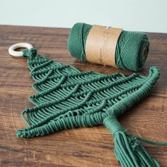 Macrame Supplies, Macrame Projects, Clay Christmas Decorations, Christmas Crafts, Xmas, Rope Crafts, Diy Crafts, Macrame Cord, Macrame Bag