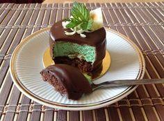 VÍKENDOVÉ PEČENÍ: Mátové dortíčky Mint Cake, Sweet Bar, Czech Recipes, Cheesecake Brownies, Mini Cheesecakes, Pavlova, Baked Goods, Dessert Recipes, Food And Drink