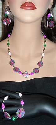 Floral Mother of Pearl Shell Necklace, Bracelet and Earring Set