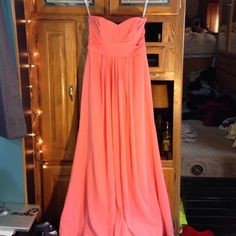 Bridesmaid Dress! Make an offer! Size 6 dress. Strapless. One stain on back check pictures. Make an offer I'm flexible with the price. David's Bridal Dresses Wedding